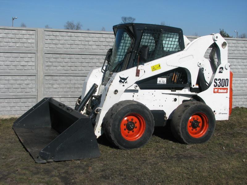 Аренда мини-погрузчика Bobcat S300/Н