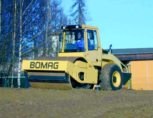 Взять в аренду каток Bomag BW211 D-4